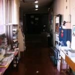 le couloir de l'étage du ciné