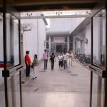 le couloir exterieur vers la salle 3