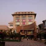 Le centre commercial où se trouve le cinéma