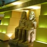 pour trouver l'entrée du ciné, suivez le pharaon !