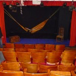 la salle, ce jour-là en répétition pour une pièce de théâtre !