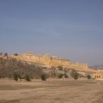 l'Amber Fort de loin